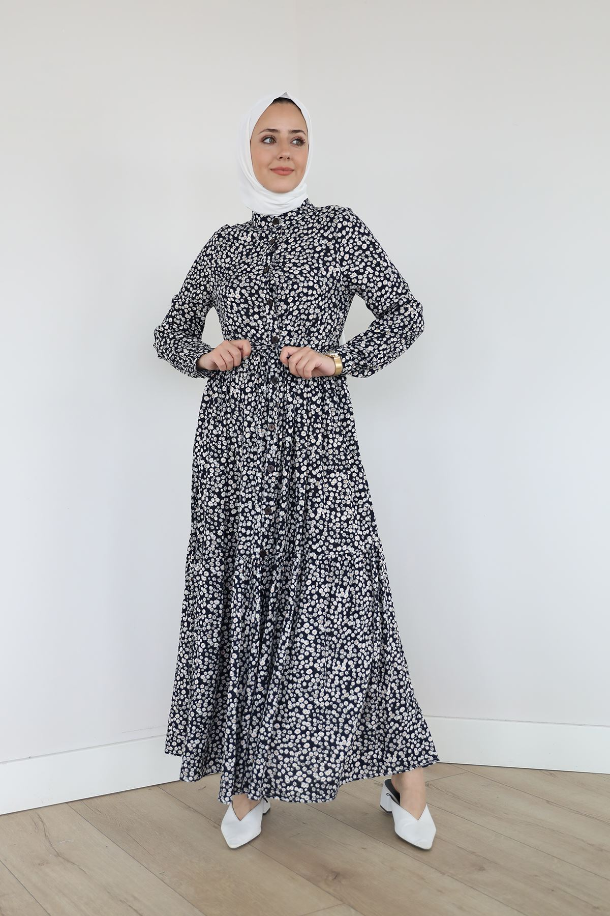 Önü Patlı Bel Tünelli Elbise-Papatya Siyah